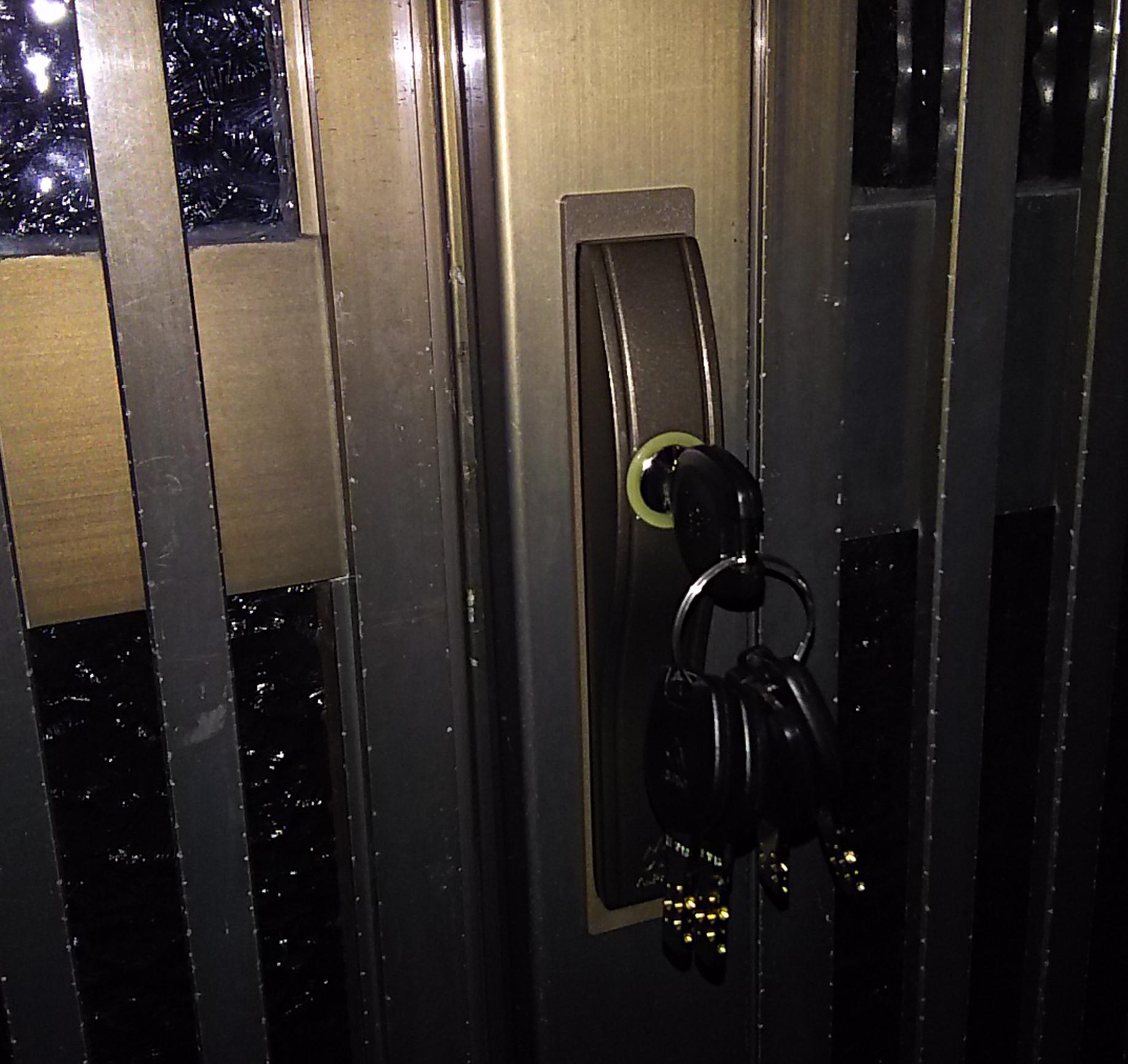 アルファの鍵に取り替えた玄関引き戸