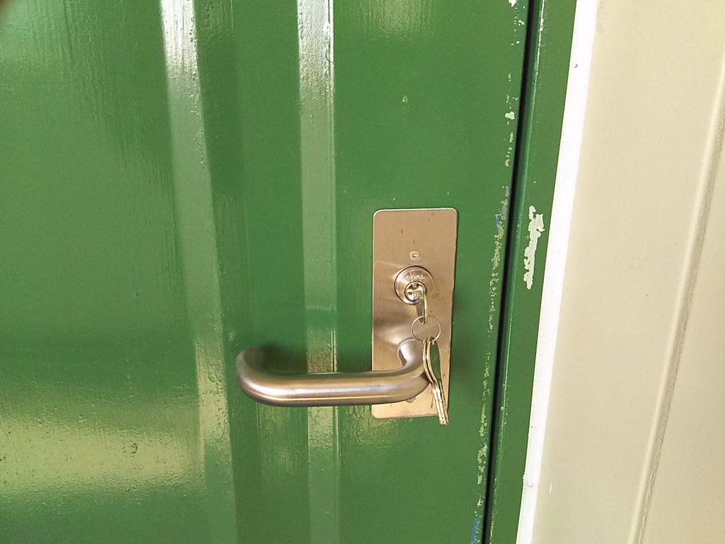 GOALのディンプルキーに交換した玄関の扉