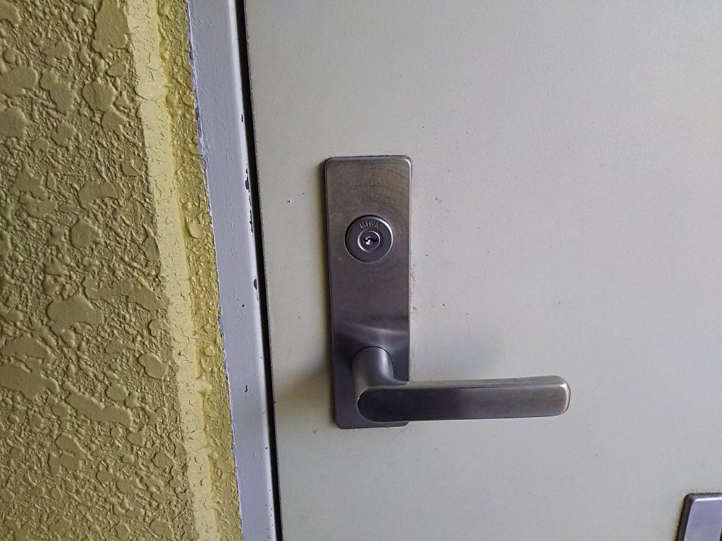 鍵を紛失して開けられなくなった玄関ドア